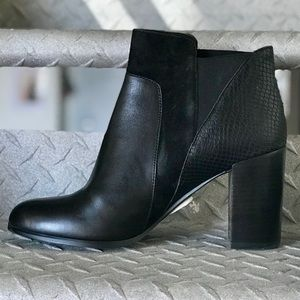 Tahari - Black Leather Ankle Boots w/ texture